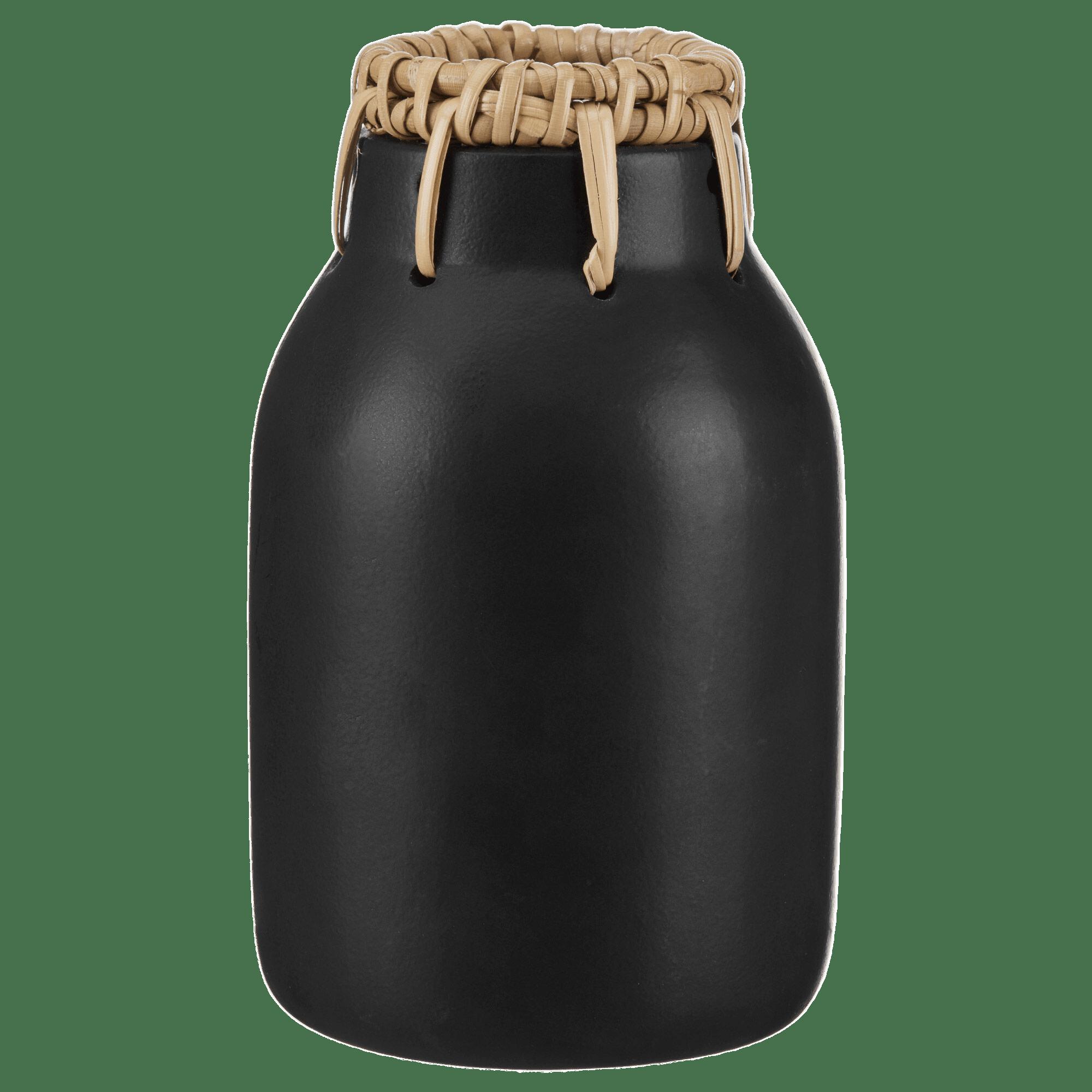 Vase en dolomite noire et bordure en rotin